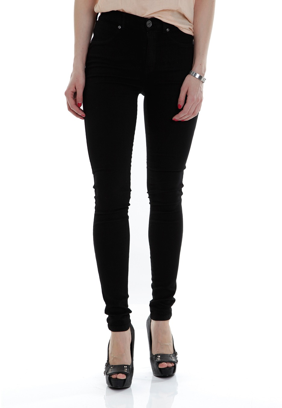 Pull on jeggings are the perfect combination of style and comfort. Shop the Matalan collection of black, blue & grey jeggings, in a variety of washes.