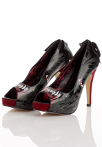 Iron Fist - Wolfbeater Black/Red - Heels
